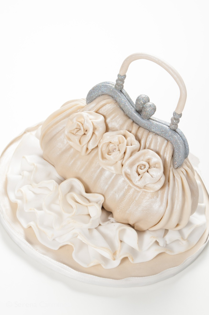Cake Design Tutorial: Pochette di seta