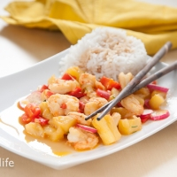 Prawns With Pineapple In Sweet And Sour Sauce