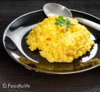Traditional recipe: saffron risotto (front view 1)