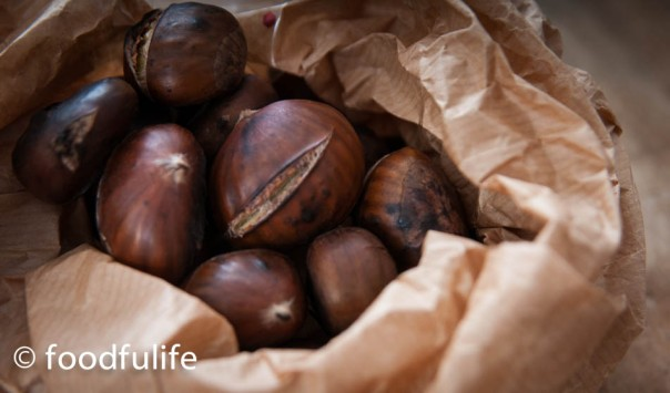 Step 3. Turn off the heat and put the chestnuts in a paper bag. Peel while they are still hot.