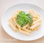 Penne al Pesto (pasta with Genoese pesto, method with mortar and pestle)