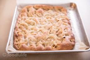 Focaccia rustica con le cipolle (rustic focaccia with onions)