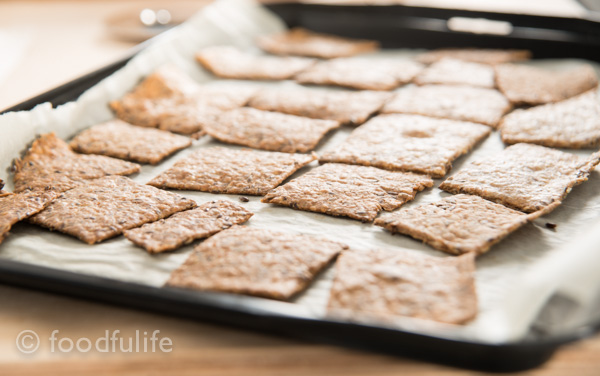 Whole spelt and oat crackers-6