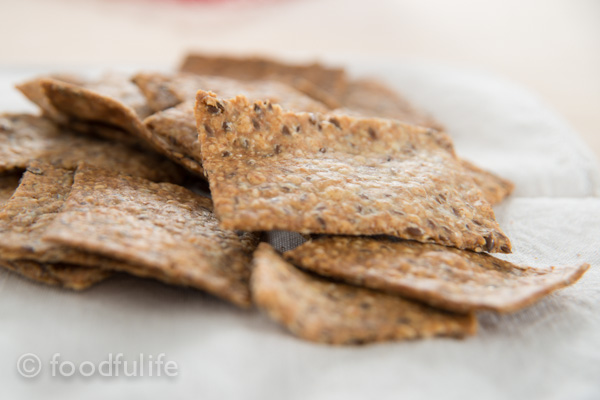 Whole spelt and oat crackers-8