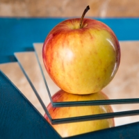Food Photography : Apple With Mirror Tiles