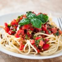 Spaghetti With Raw Tomato 'Sauce' (Vegan/Dairy-free)