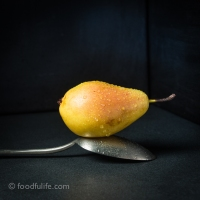 Food Photography : Pear On Tablespoon