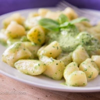 How To Make Gnocchi (The Easy Way)