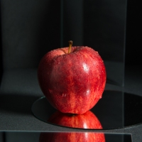 Food Photography : Red Apple With Mirrors